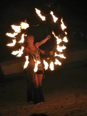 Hotel Luamey: Fire dancers on beach (Free)