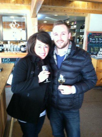Traverse Bay Tours: Wine touring for couples