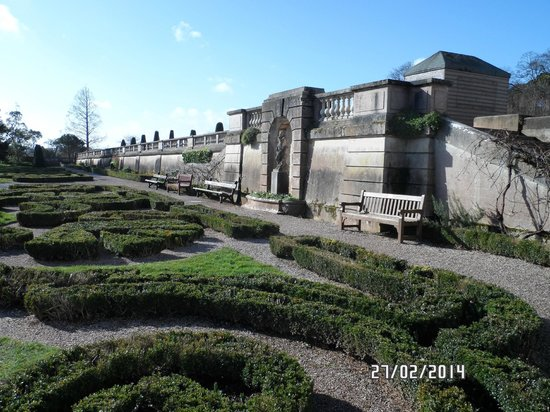 Maze Garden - Oldway mansion