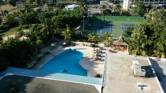 The Jamaica Pegasus Hotel : pool from room