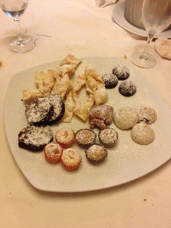Avio Club : Questi biscottini sono la fine del mondo...peccato che gli chef non diano le ricette!!