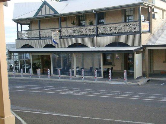 Aurora Ozone Hotel: ristorante posizionato di fronte hotel