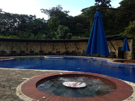 Rio Celeste Hideaway Hotel : Poolside
