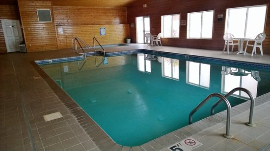 Super 8 Baldwin: Pool