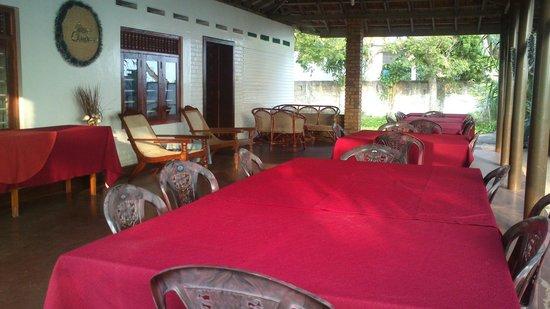 Vubu: Terrasse et salle à manger à l'air libre