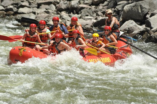 Glenwood Canyon Resort : Rafting the Shoshone rapids of Colorado River