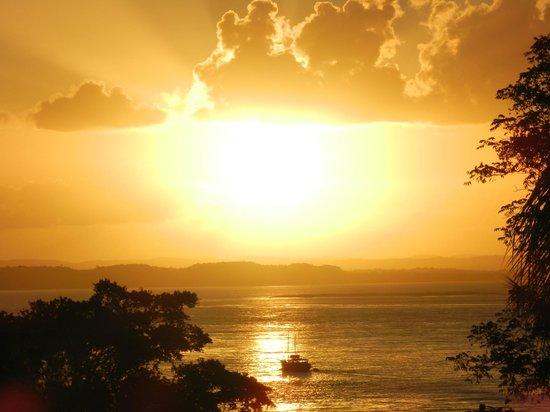 Pousada Safira do Morro: Puesta de sol en Morro de Sao Paulo