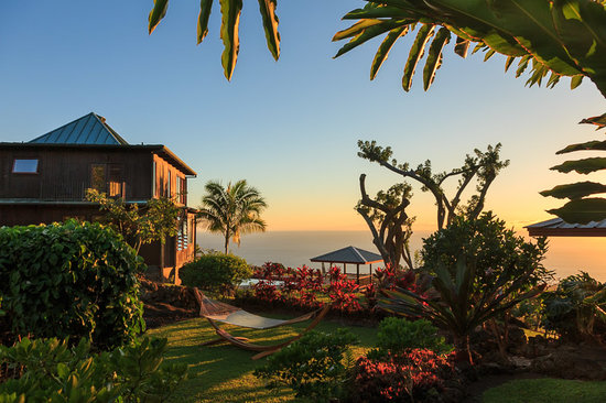 A beautiful sunrise at Holualoa Inn
