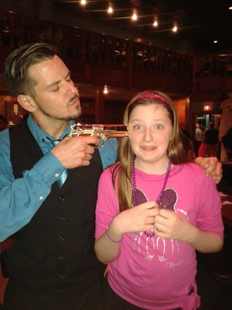 Capone's Dinner & Show: bullets and my daughter