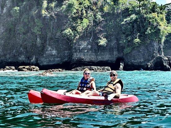 Pineapple Kayak Tours: Waves and Caves at Playa Ventanas!