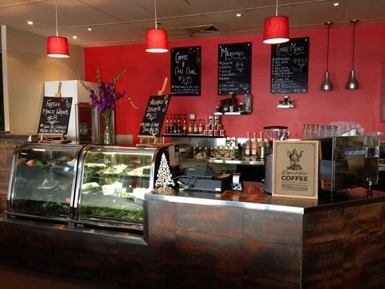 Old Bundy Tavern: Customs Bar & Cafe