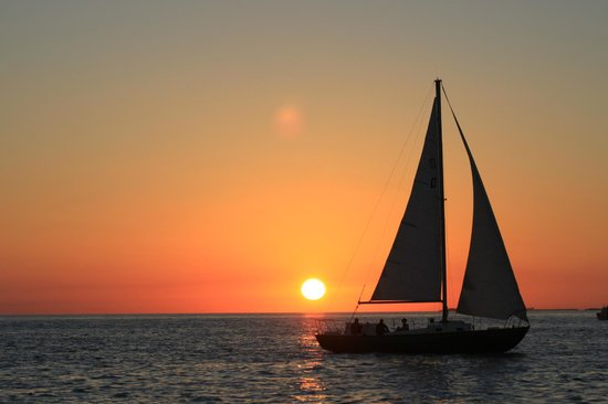 Catamaran Echo: And even more sunset!