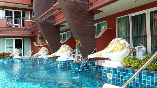 Blue Ocean Resort: Clean pool