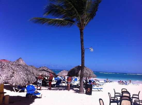 Caribe Club Princess Beach Resort & Spa: Playa Bavaro a 50 metros