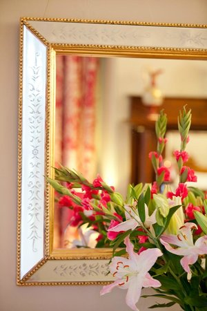 "Melba House Boutique Bed & Breakfast: Signature ""Gladies"" in Dame Edna Suite"