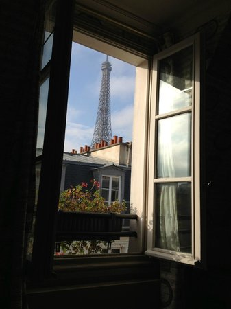 Hotel de Londres Eiffel: View from our room