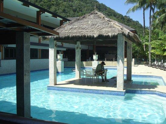Fitzroy Island Resort: swimming  pool