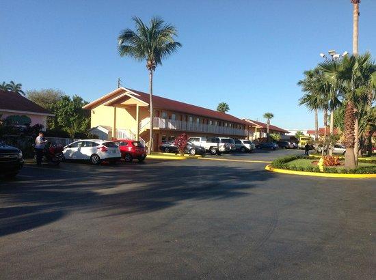 Fairway Inn Florida City: Area das suites