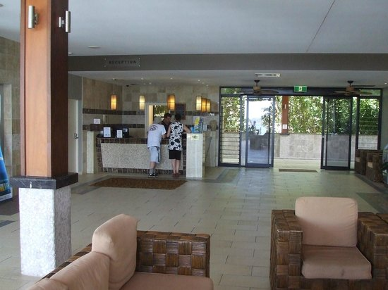 Fitzroy Island Resort: front desk