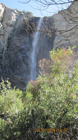 Bridalveil Falls : The falls and the spray