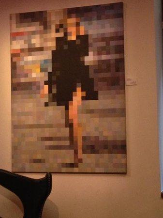 Bohem Art Hotel: toile du salon de l'entrée