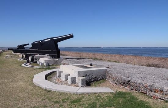 Fort Clinch State Park : Cannon Line the Ramparts