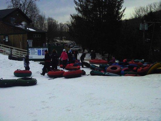 Woodbury Ski Area : tubing