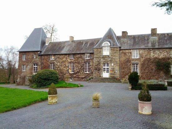Chateau de la Roque : the castle from outside