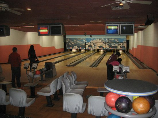 BEST WESTERN PREMIER Grand Canyon Squire Inn: Bowling alley