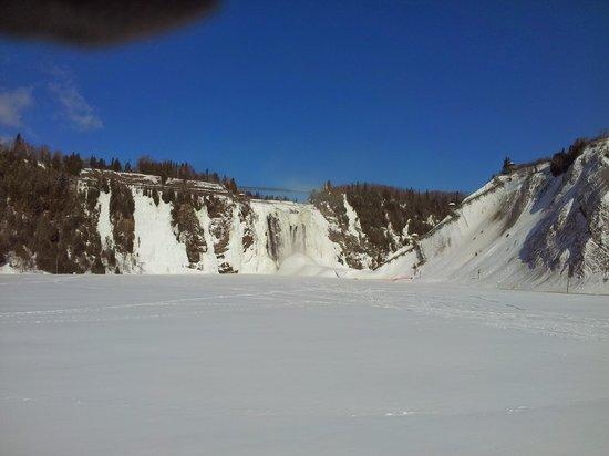 Montmorency Falls Park (Parc de la Chute-Montmorency): les chutes d'en bas