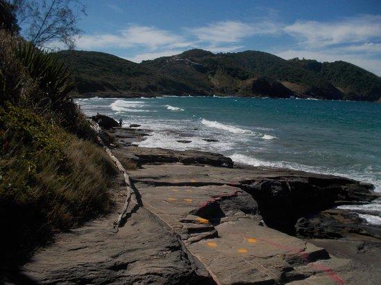 Brava Beach: Pasando las piedras