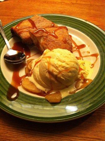 Applebee's: Big dessert