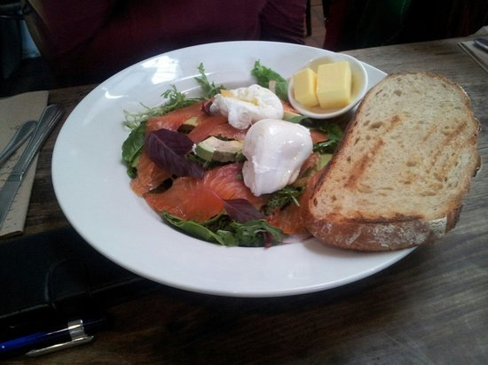 Berry Sourdough Cafe : Cured salmon with eggs