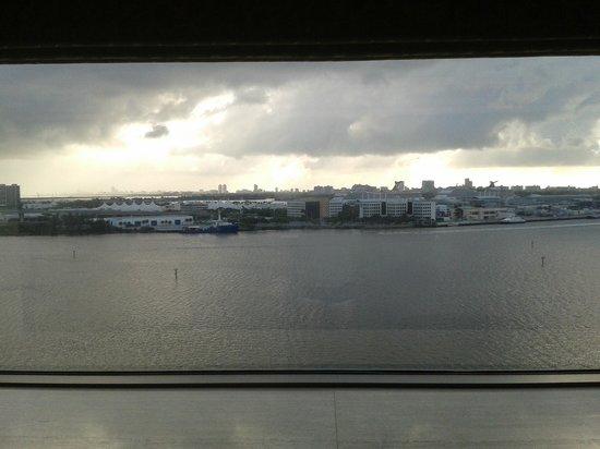 InterContinental Miami: Вид на прибрежную, приокеанную часть Майами.