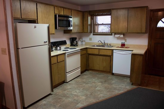 Mountain Retreat Resort: Kitchen