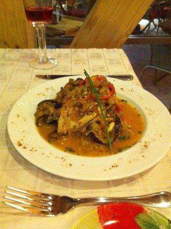 Mas Dali: Suprema de pollo con verduras