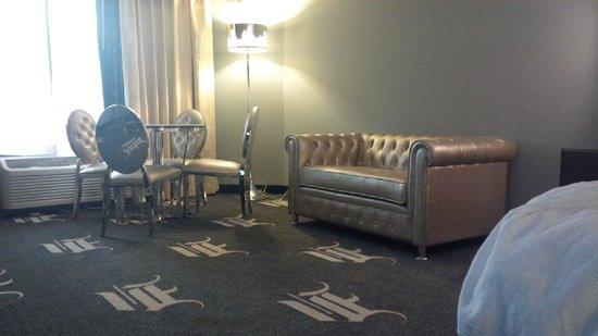 Wyndham Garden Dallas North : furniture in room