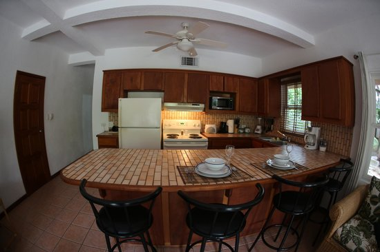 Xanadu Island Resort: Kitchen in 1 bedroom unit