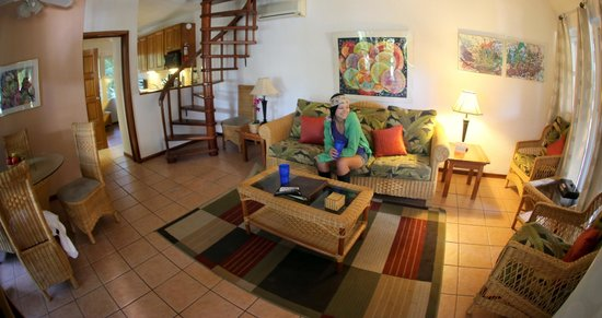 Xanadu Island Resort: Our living room in the 2 room suite