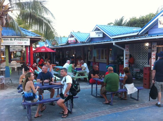 Oistins, Barbados: Great night out