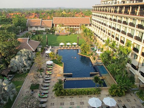 Angkor Miracle Resort & Spa: Pool view