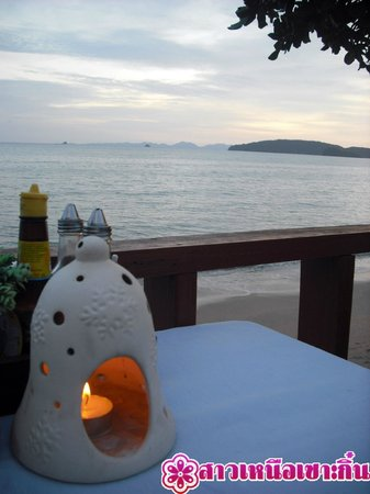 Sala Bua & Lo Spuntino Restaurant: โคมไฟกับพระอาทิตย์ตก