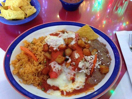 Mi Tierra Cafe & Bakery : Enchiladas Nortenas