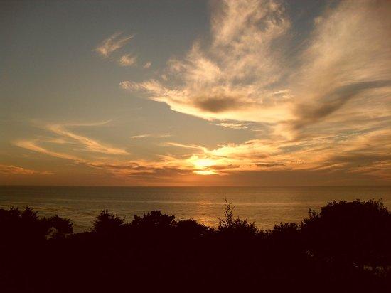 Hyatt Carmel Highlands: Sunset from our room..