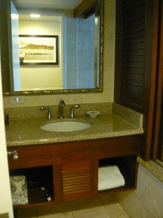 Outrigger Waikiki Beach Resort : Bathroom