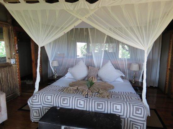 Kwetsani Camp: the bed