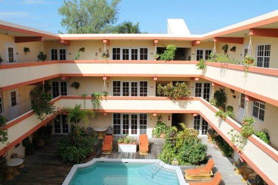 Banana Beach Resort: Look toward our room