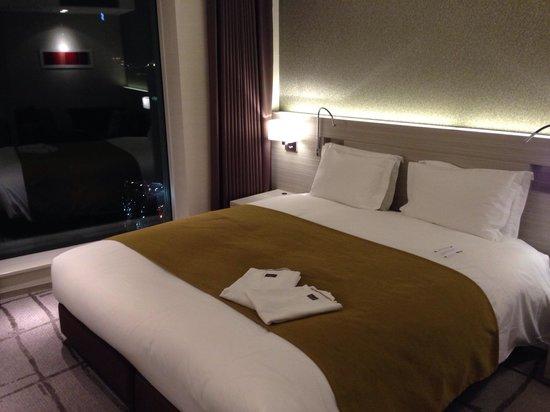 Mitsui Garden Hotel Ginza Premier: Double bed