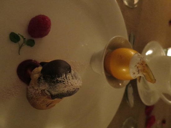 Airlie : Romantic Valetine's Dinner and overnight