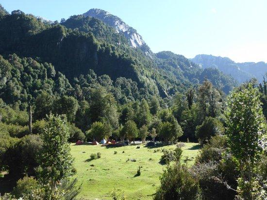 Southern Trips Cochamo: Campground below Refugio Cochamo